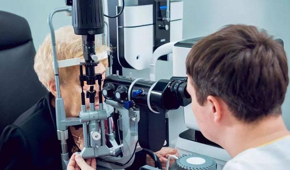 糖尿病患者,多久做眼部检查合适呢?